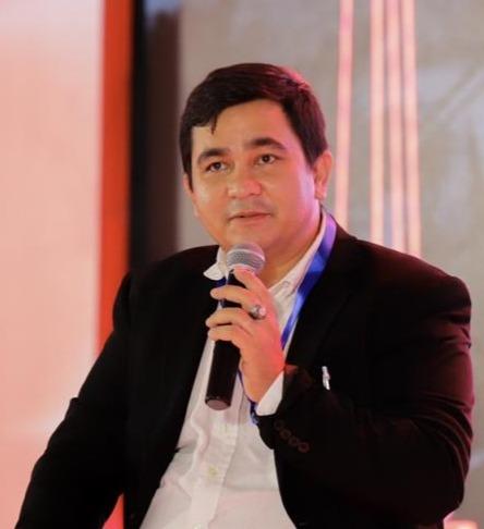 Penulis Matheus S N Siagian Ketua Asosiasi Restauran PHRI Manggarai Barat-JaringPos