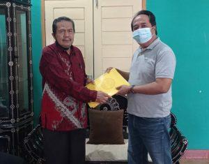 Ketua DPP PRABU Dr. H. Ibrahim Abdullah, SE.,MM saat mendaftar ke Kesbangpoldagri NTB