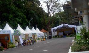 Stan pameran inovasi daerah di halaman kantor Bappeda NTB, Jum'at (17/9/2021).