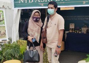 Pengunjung pameran di Bappeda NTB.